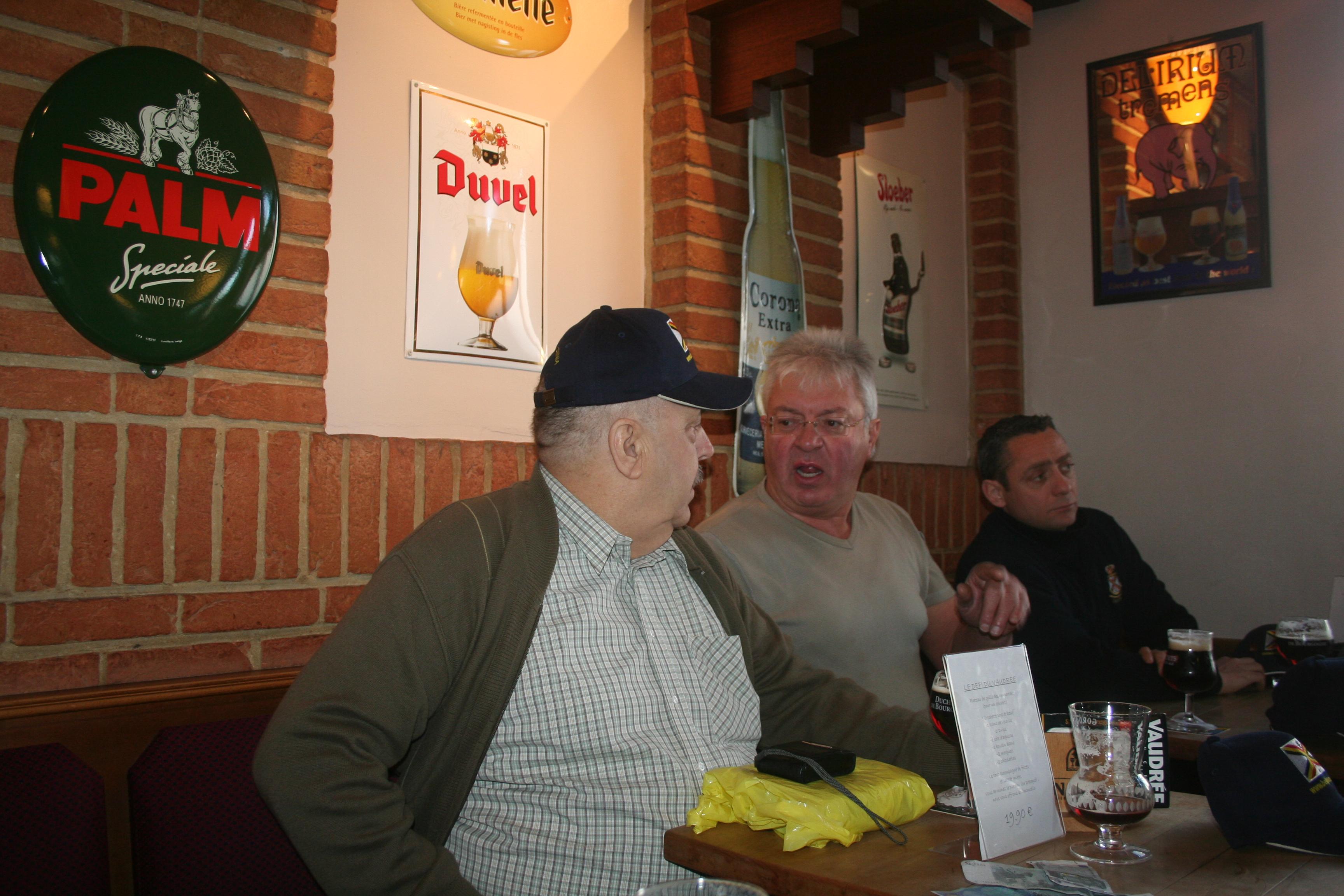 Remise des polos/casquettes à Liège en novembre 1011270622061095837202740