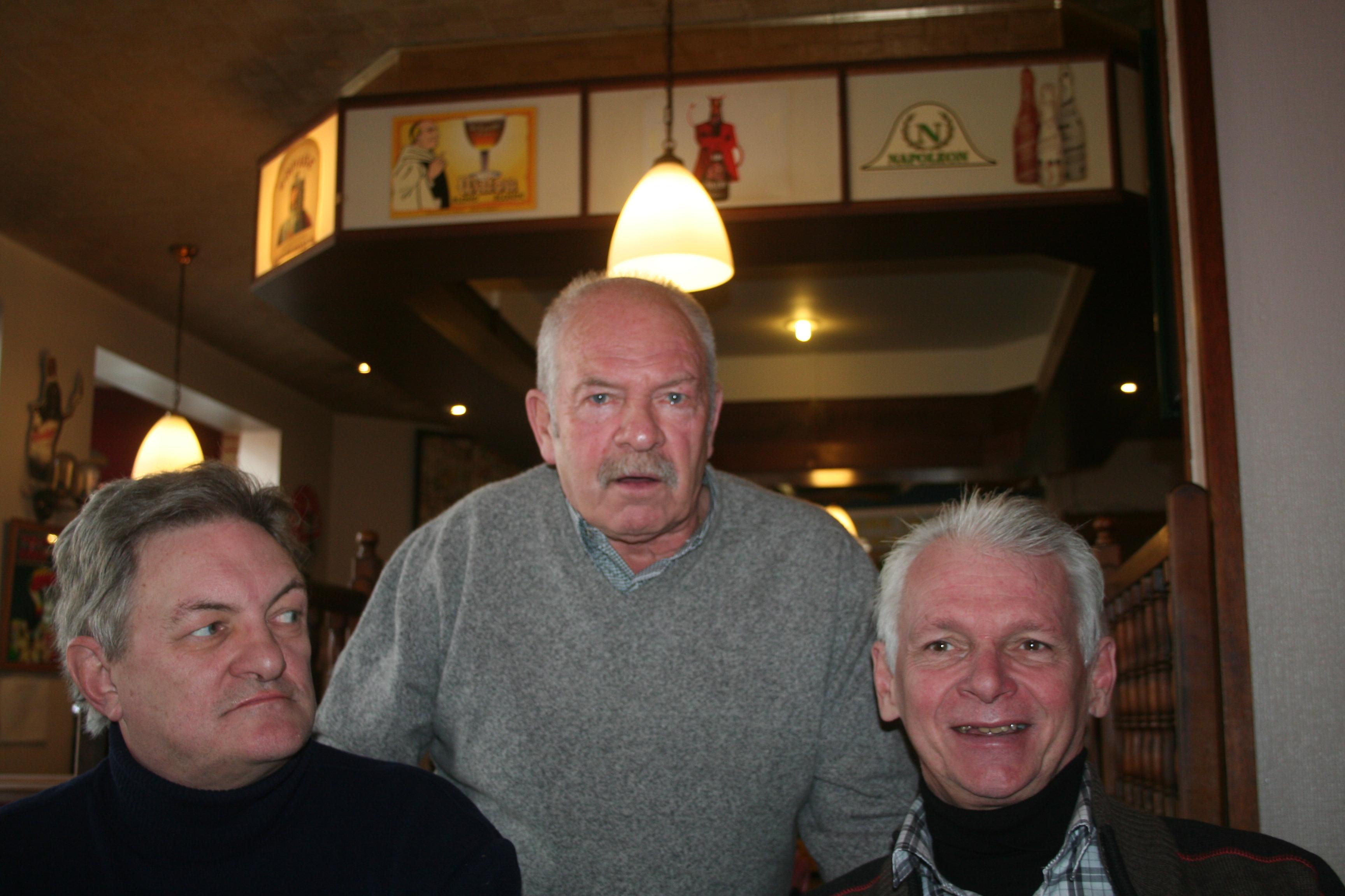 Remise des polos/casquettes à Liège en novembre 1011270736501095837203291