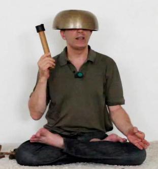 Méditer avec le bol 101201100636385007230760