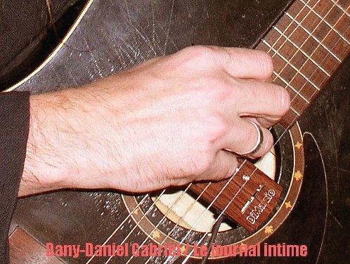 dany daniel gabriel 20101205 main guitare