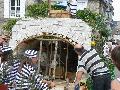 La Collancelle -MAIRIE- comice Corbigny 08 août 2010, char de La Collancelle, percement des tunnels du canal du Nivernais, cassage de cailloux et remplissage du treuil à gravats