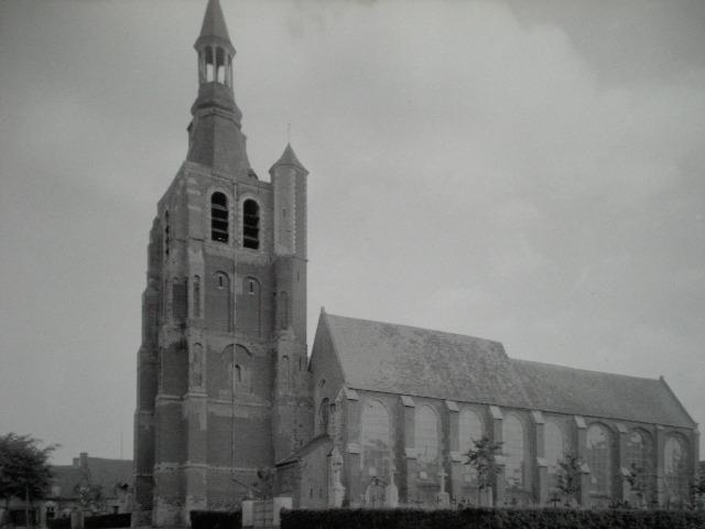 Verdwenen kerken van Frans-Vlaanderen 110102021336970737404988