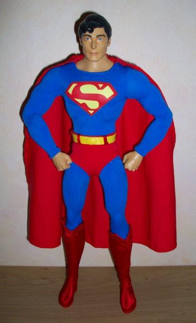 "MATTEL SUPERMAN REEVES 12"" COMIC CON 2010 110116075714668847479284"