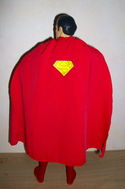 "MATTEL SUPERMAN REEVES 12"" COMIC CON 2010 110116075714668847479288"