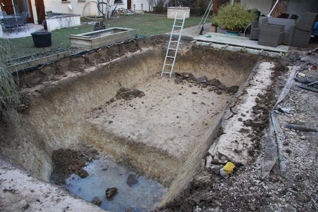 bassin d'eau construction