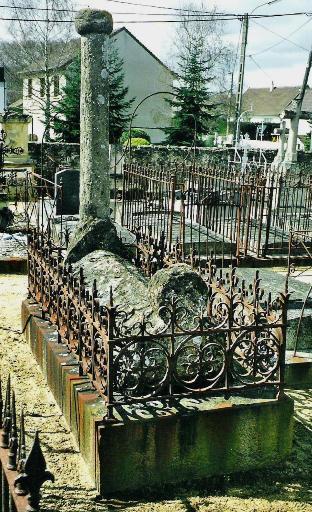 Monuments funéraires Rose+Croix 110205113147385007589010