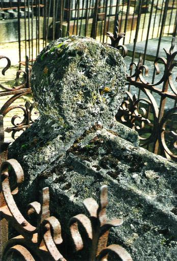 Monuments funéraires Rose+Croix 110205113147385007589012