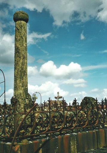 Monuments funéraires Rose+Croix 110205113147385007589013