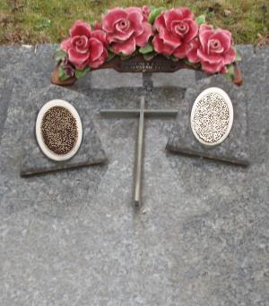 Monuments funéraires Rose+Croix 110206102600385007594891