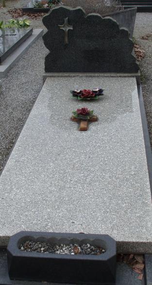 Monuments funéraires Rose+Croix 110206102600385007594893