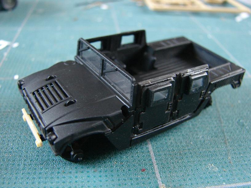 "Humvee ""Irak"" conversion sur base revell 1/72 1102211016241151537691569"