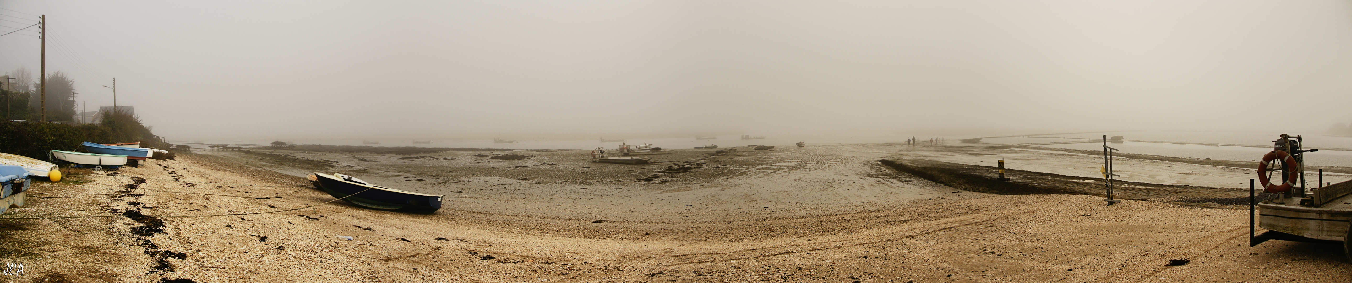 b62-A24491-91à94 Panorama traict sous la brume