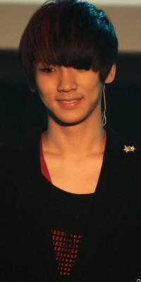 Kim Ki Bum (Key) 110222124907988197692161