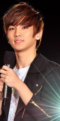 Kim Ki Bum (Key) 110222124907988197692162