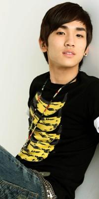 Kim Ki Bum (Key) 110222124908988197692167