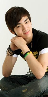 Kim Ki Bum (Key) 110222124908988197692168