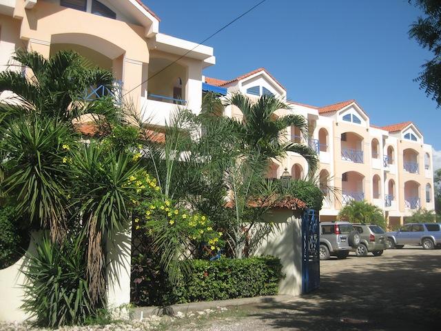 Haiti - Page 3 1102241051211278837708847