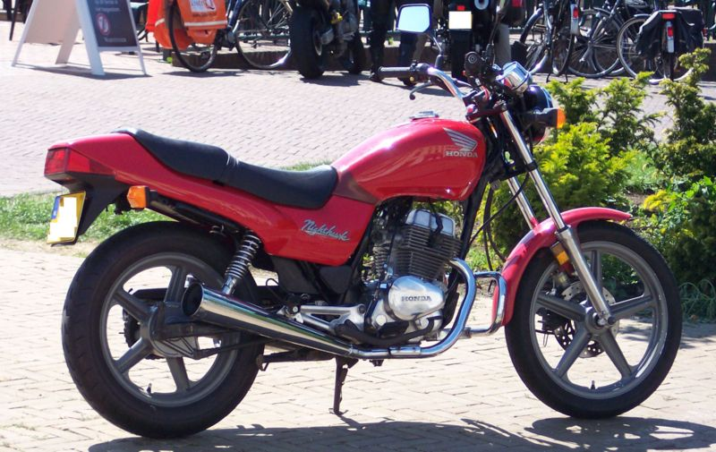 Les 250 cc (et aussi les 350/400) 110304064406468637757899