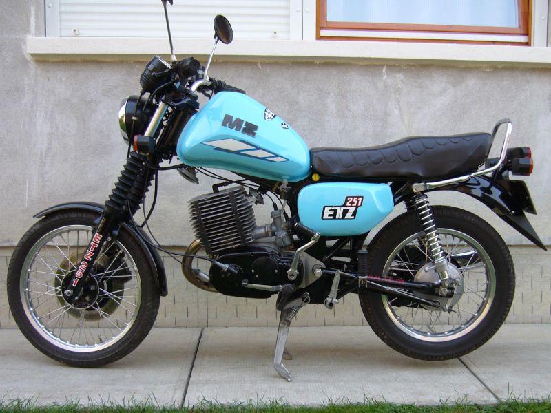 Les 250 cc (et aussi les 350/400) 110304125257468637753891