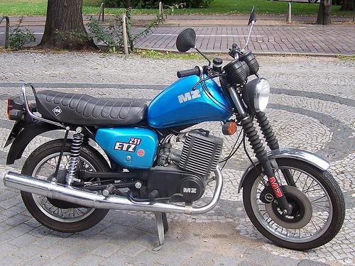 Les 250 cc (et aussi les 350/400) 110304125258468637753892