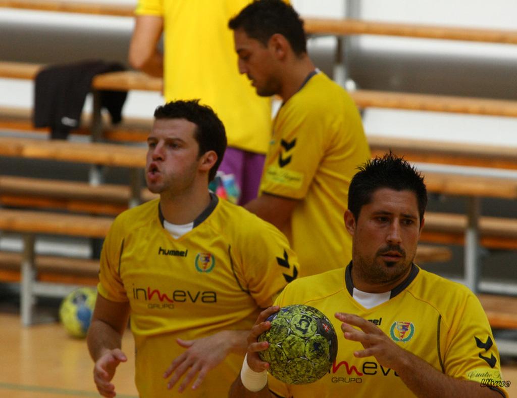 autre passion: le Hand Ball 110307074513825477775788