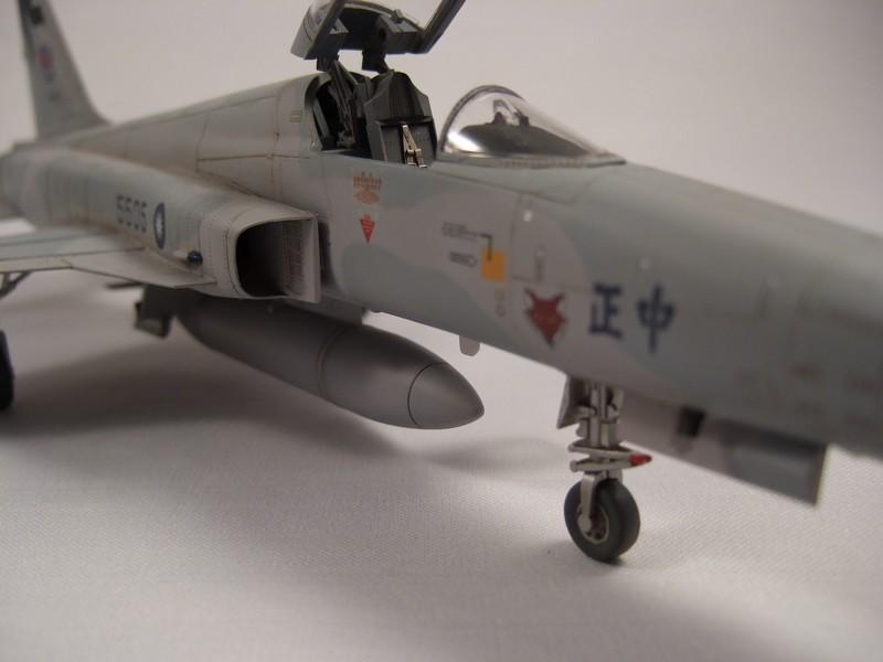 Northrop RF-5E Tigereye  AFV club 110316113156776117830160