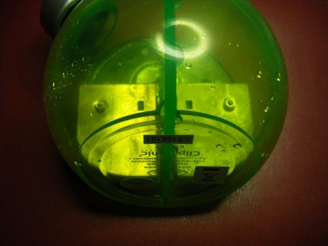 Petite horloge à accumulateur hydraulique. 1103200634291080537852227