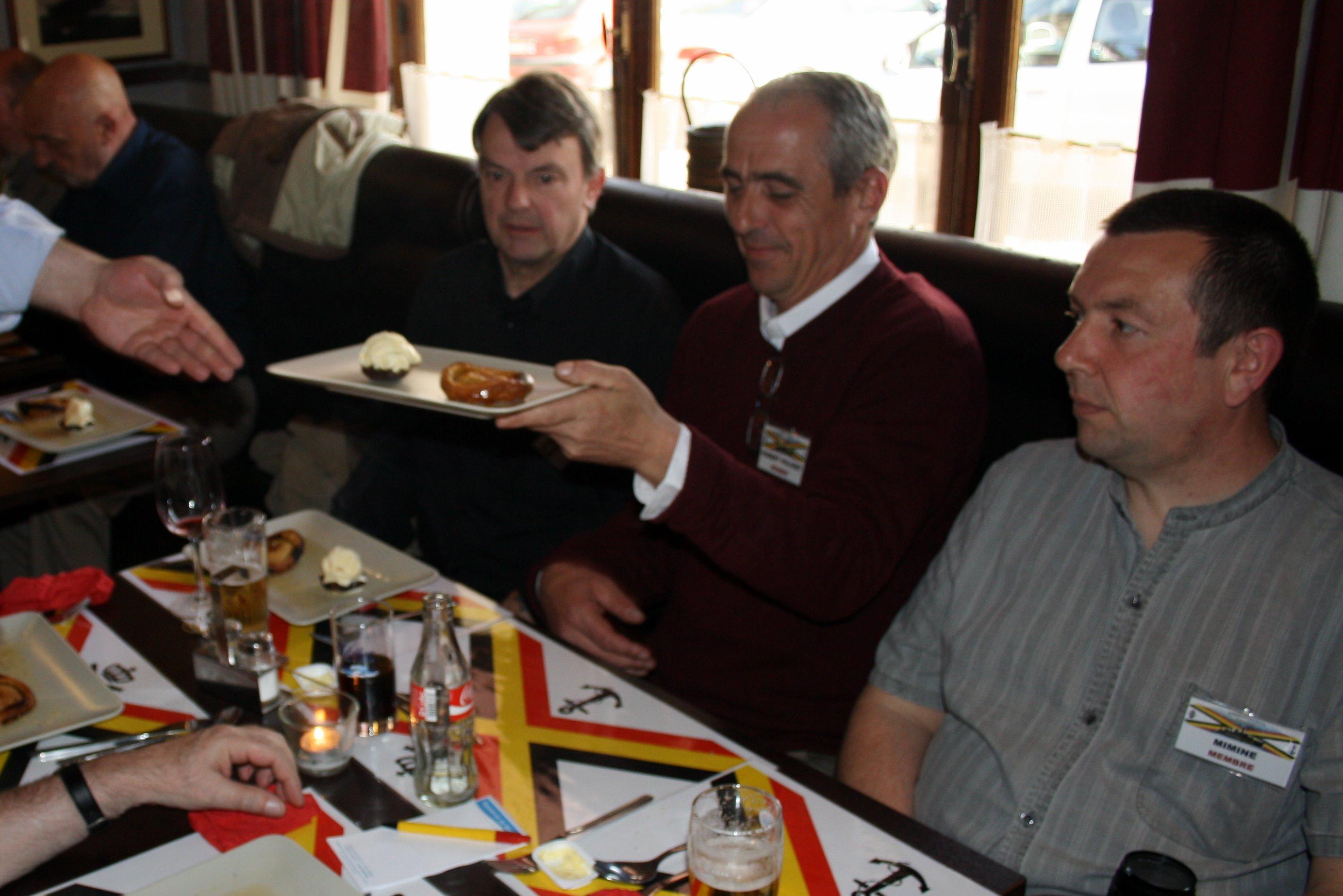 Café de la Gare à Profondeville le 9 avril - Page 10 1104140718171095837992549