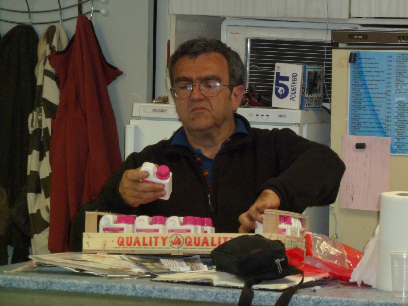 Bourse de Villeneuve les Beziers 1er mai 2011 1104230528471071758041592