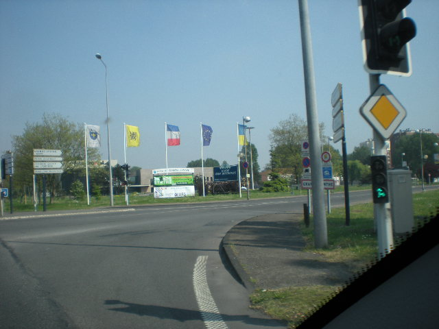 De Vlaamse Leeuw in onze winkels, bedrijven en in de openbare ruimte 110425091115970738054803