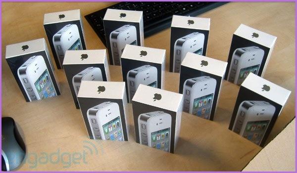 Matériel : L'iPhone 4 blanc débarque finalement demain 1104260811101200808059378