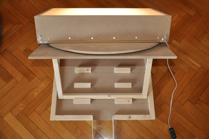Perfect le banctitre et sa table lumineuse with table - Table a dessin ikea ...
