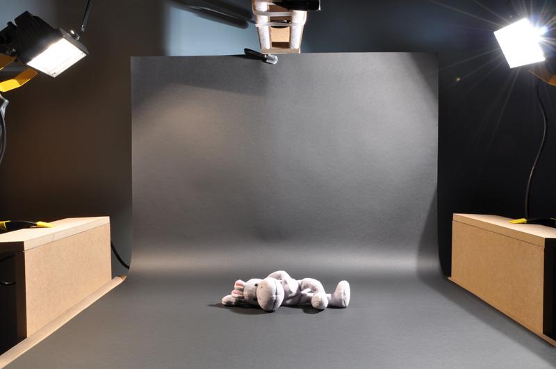fous d 39 anim afficher le sujet banc titre et table. Black Bedroom Furniture Sets. Home Design Ideas
