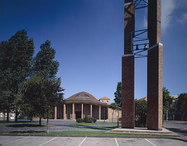 De kerken van de Wederopbouw na WO1 & WO2 110514112856970738158349