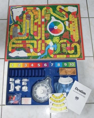 Les jeux de société vintage : rôle, stratégie, plateaux... 110517110421668848174884