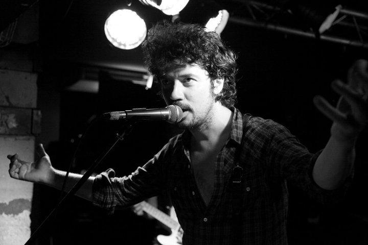 """YAROL POUPAUD parle du """"TOUR 2012"""" de JOHNNY HALLYDAY (sur Radio Campus le 22 février 2012) 1106011004411239648252652"""