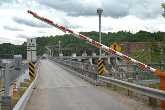 Barrage La Gabelle été 2011 110603060503900268259311