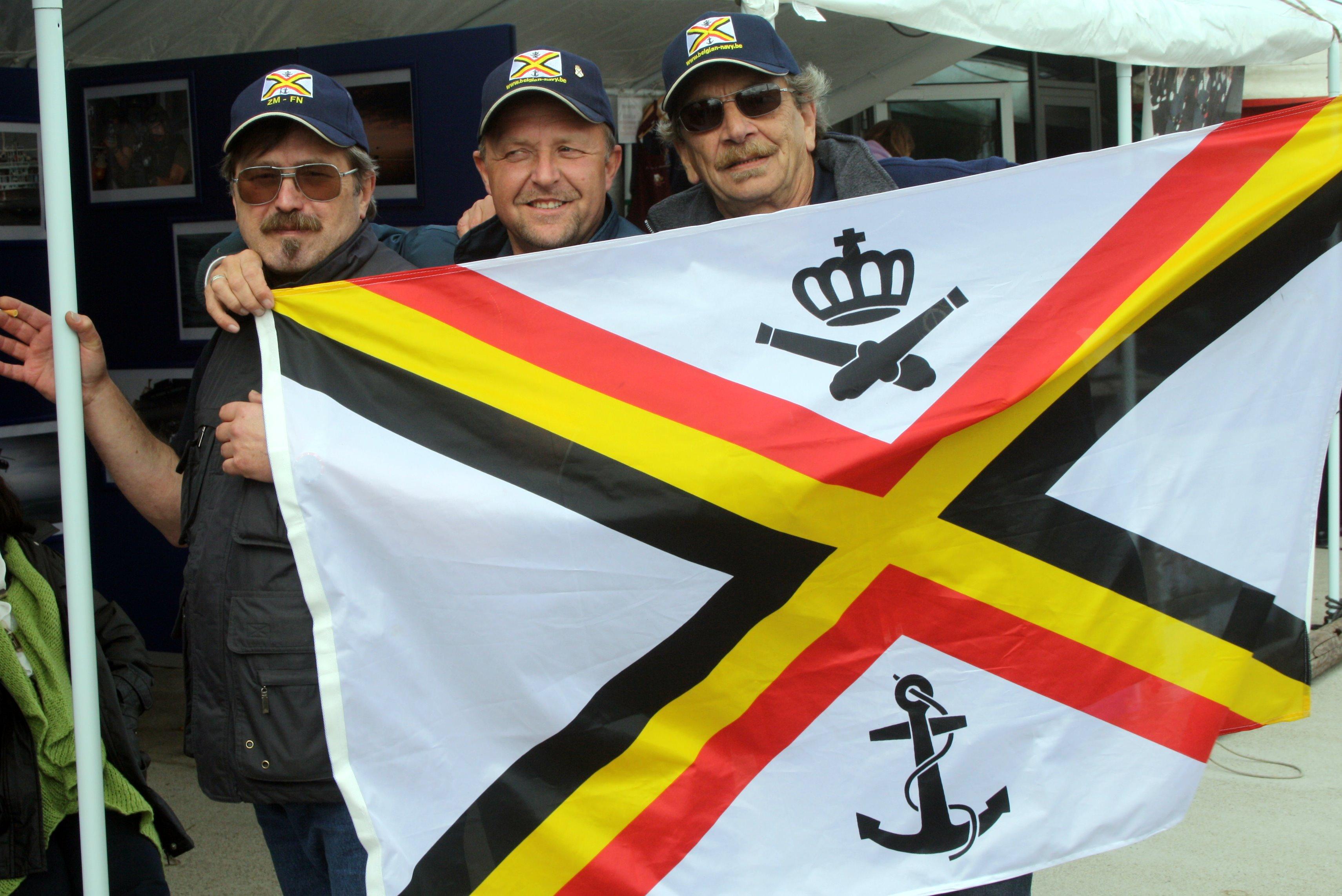 Fastes des Cadets de Marine à Bruxelles le 18/06/2011 - Page 22 1106220438401095838364290