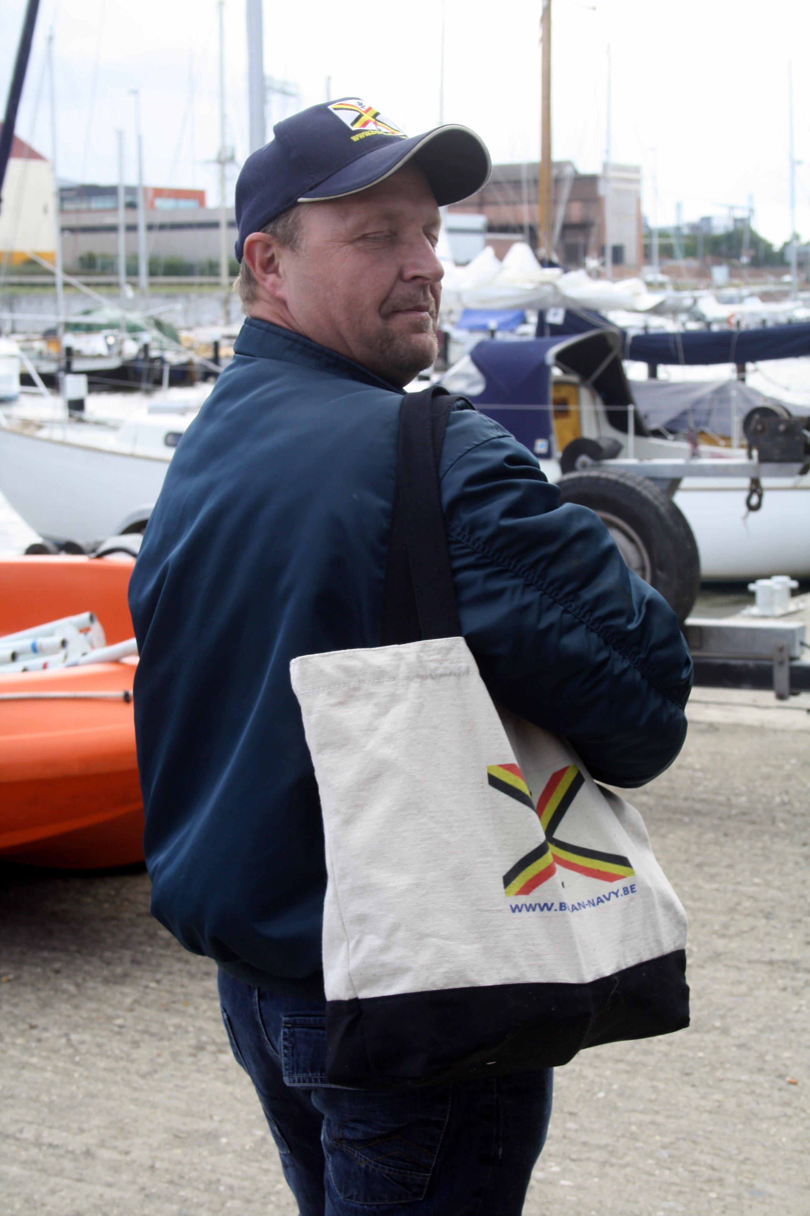 Fastes des Cadets de Marine à Bruxelles le 18/06/2011 - Page 22 1106220905241095838362357