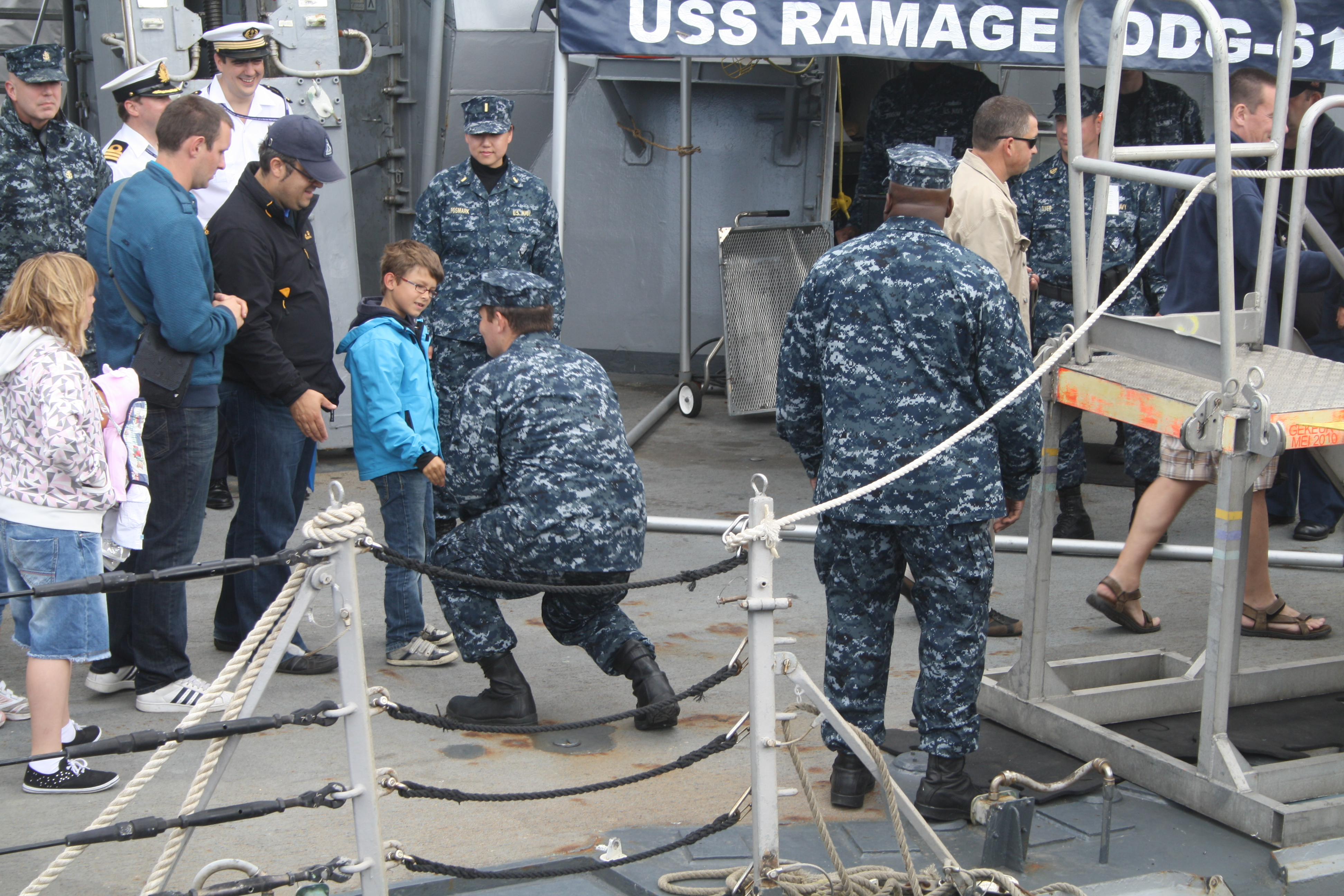 Portes ouvertes 2011 - Navy Days Zeebrugge 2011   - Page 5 1107111153531095838454835