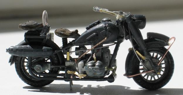 scratch sur épave de BMW R75 1/35 110813014716667018581264