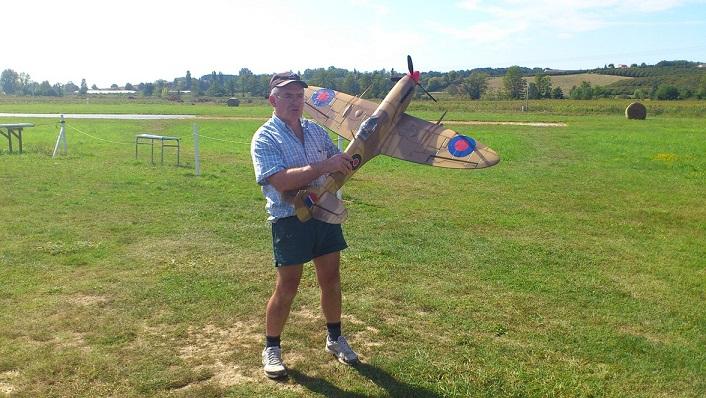 Spitfire FMS à Guy  110813090103197378580356