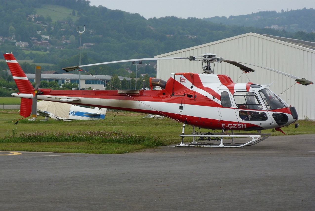 [06/08 - 17/08/2011] : Annemasse, Courchevel, Annecy, Chamonix... : Hélicos et avions dans les Alpes 1108310159221326458667910