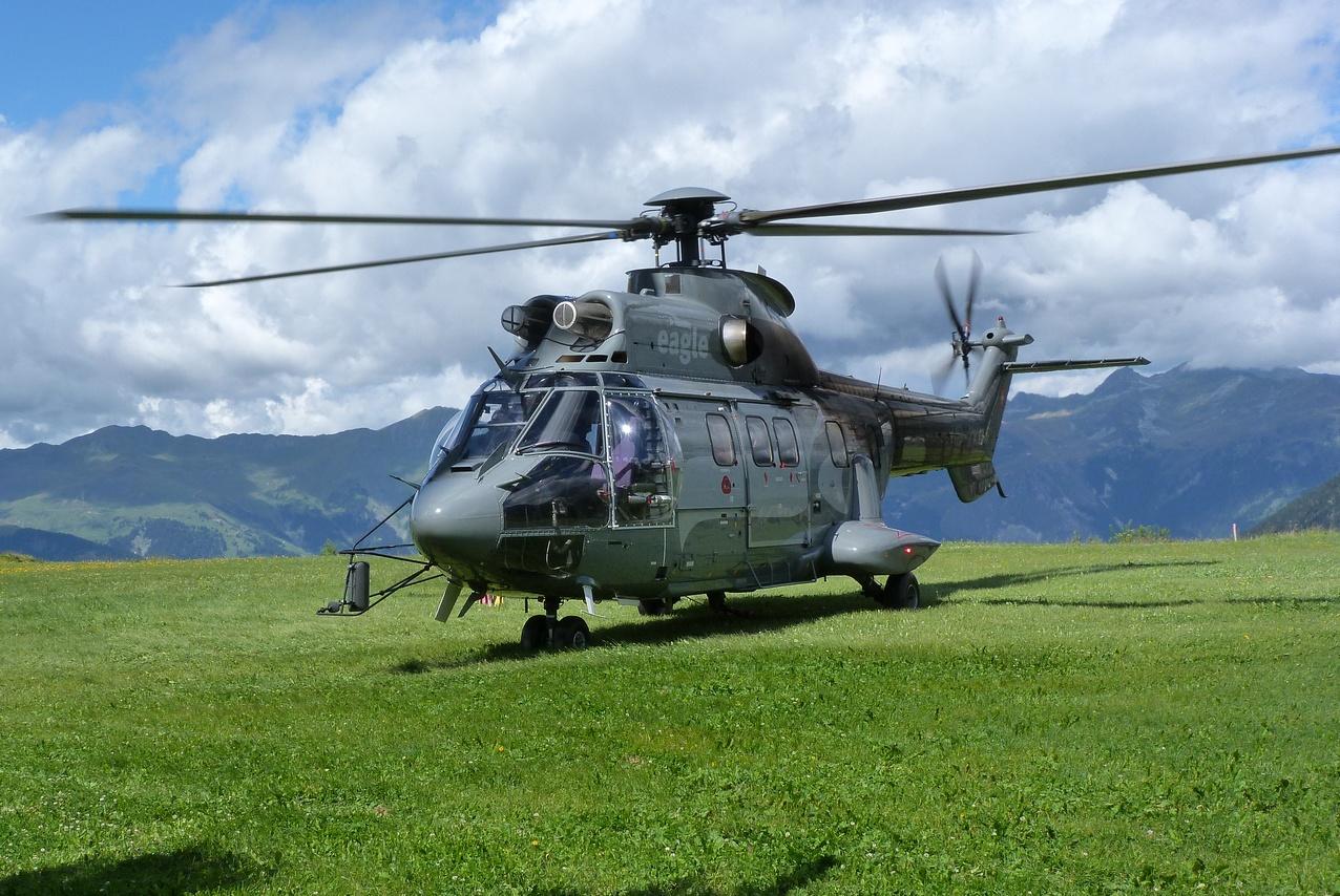 [06/08 - 17/08/2011] : Annemasse, Courchevel, Annecy, Chamonix... : Hélicos et avions dans les Alpes 1108310159231326458667916