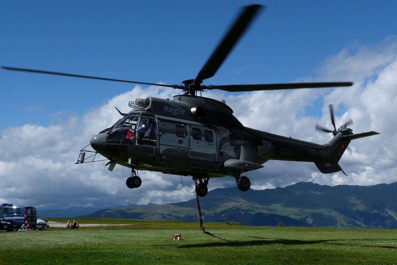 [06/08 - 17/08/2011] : Annemasse, Courchevel, Annecy, Chamonix... : Hélicos et avions dans les Alpes 1108310159241326458667917
