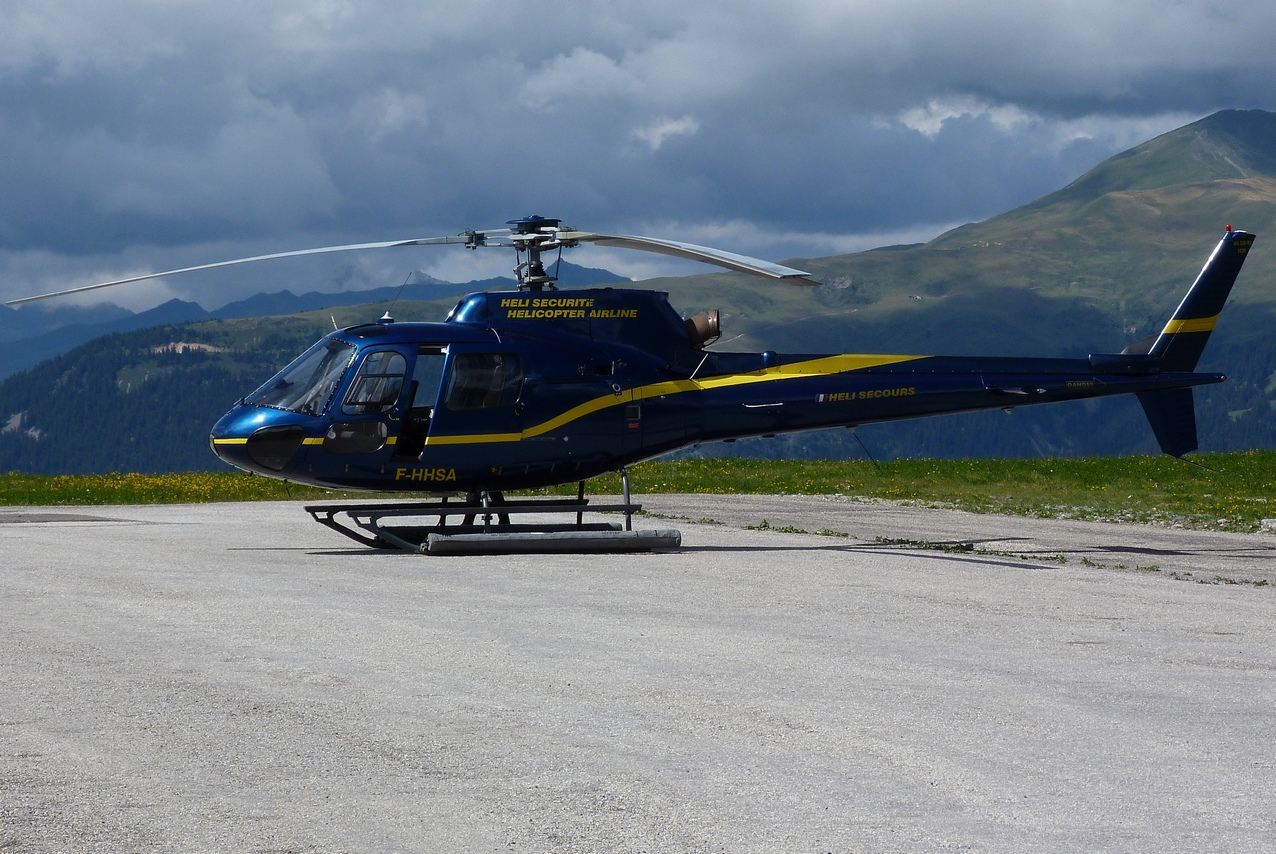 [06/08 - 17/08/2011] : Annemasse, Courchevel, Annecy, Chamonix... : Hélicos et avions dans les Alpes 1108310159241326458667920