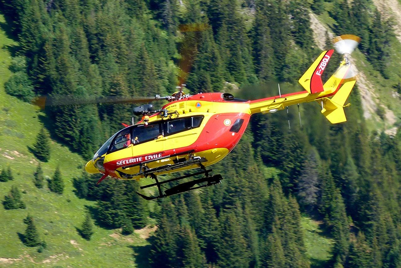 [06/08 - 17/08/2011] : Annemasse, Courchevel, Annecy, Chamonix... : Hélicos et avions dans les Alpes 1108310159251326458667924