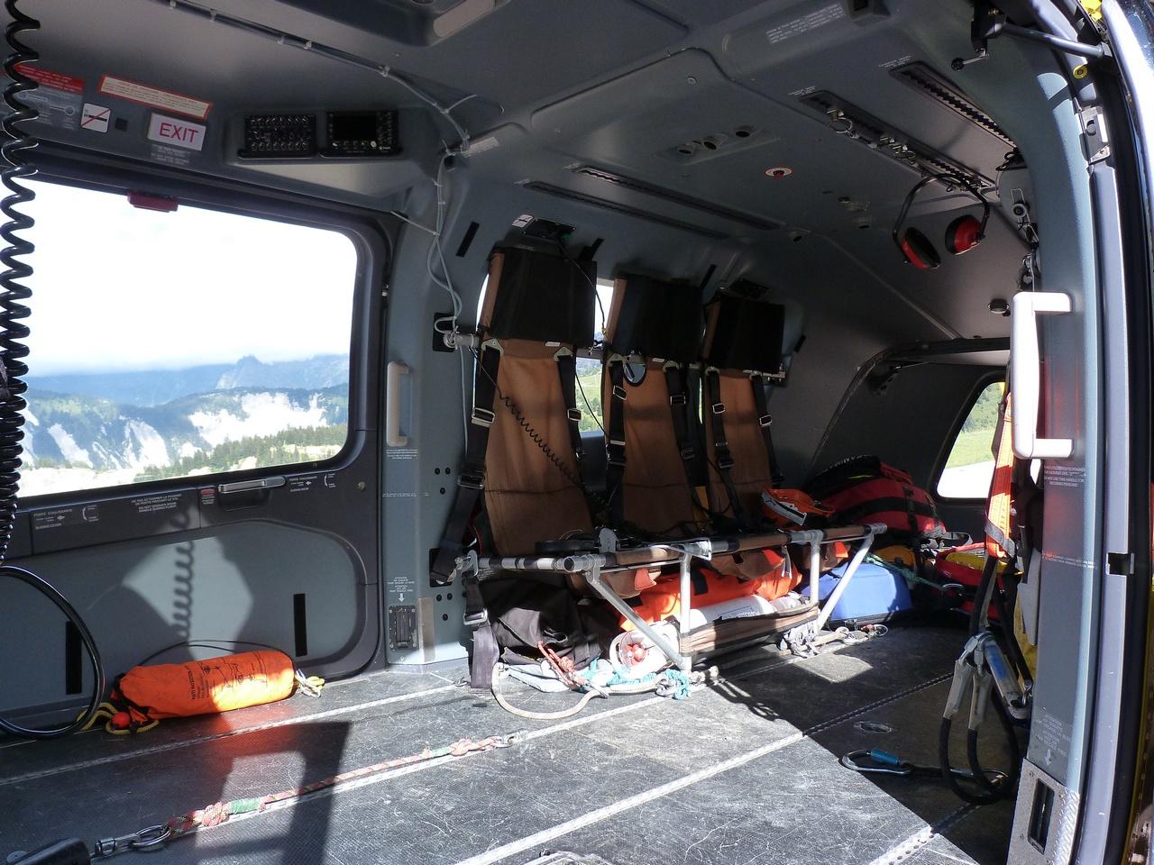 [06/08 - 17/08/2011] : Annemasse, Courchevel, Annecy, Chamonix... : Hélicos et avions dans les Alpes 1108310159261326458667927
