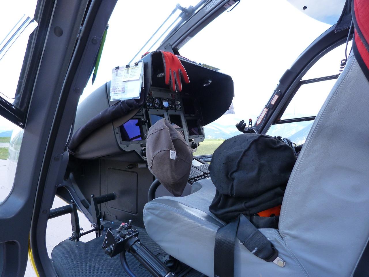 [06/08 - 17/08/2011] : Annemasse, Courchevel, Annecy, Chamonix... : Hélicos et avions dans les Alpes 1108310159261326458667928