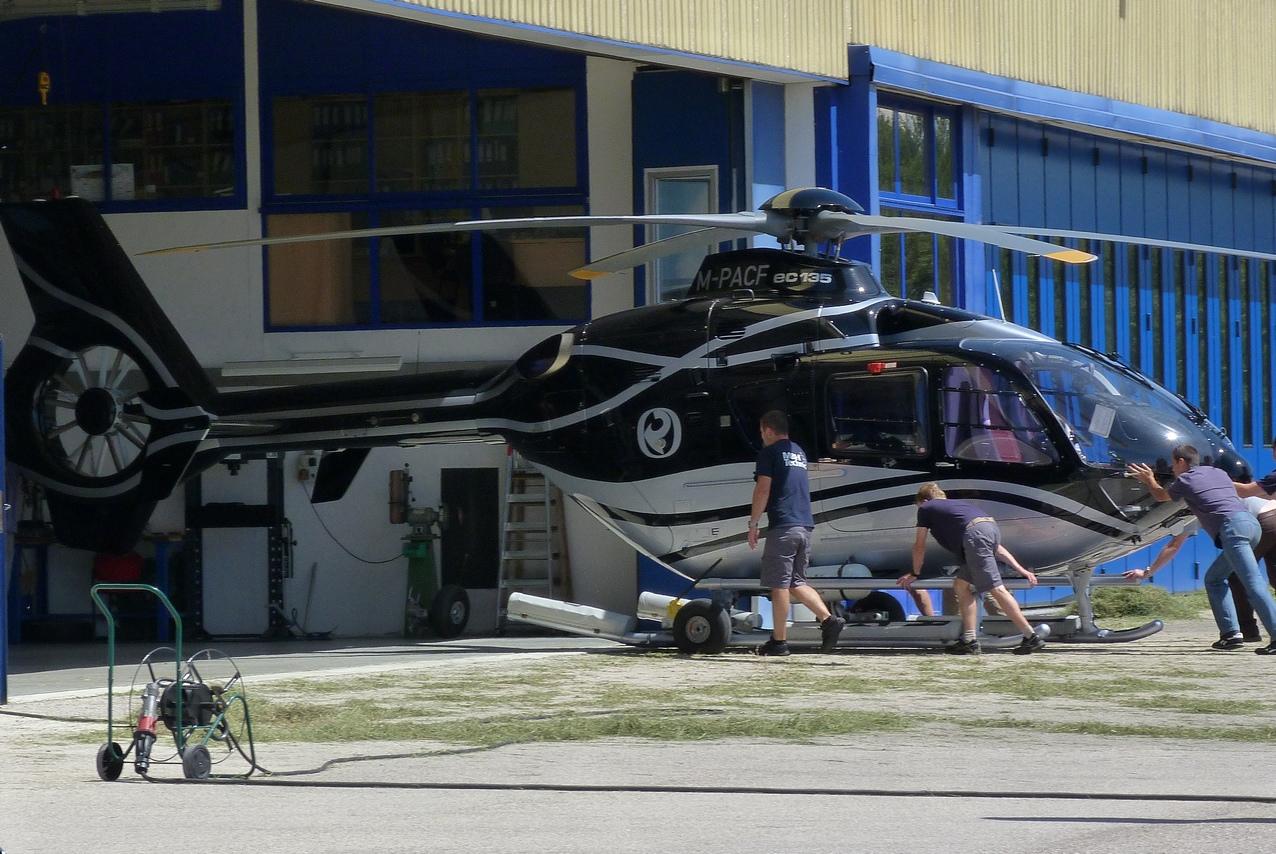 [06/08 - 17/08/2011] : Annemasse, Courchevel, Annecy, Chamonix... : Hélicos et avions dans les Alpes 1108310216311326458668072